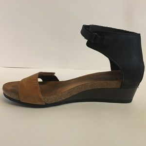 Naot wedge sandals